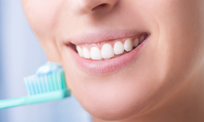 7 Unhealthy Dental Practices to Stay Away From